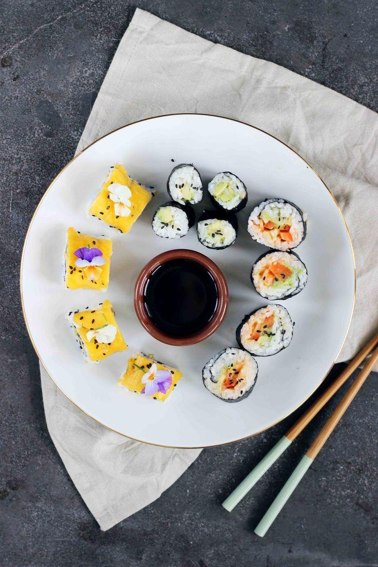 Vandaag heb ik een heerlijk recept voor sushirijst en geef ik je wat suggesties voor heer-lijke vegan vullingen. Voor ik mijn eetpatroon veranderde was ik al dol op sushi en toen stond een plantaardige variant al vaak hoog bij de favorieten op mijn lijstje. Bij sushi denkt men echter al vaak aan rauwe vis of
