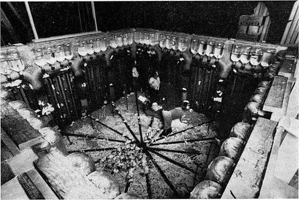 """In July 1968, ethologist John B. Calhoun built a """"mouse utopia,"""" a metal enclosure 9 feet square with unlimited food, water, and nesting material. He introduced four pairs of mice, and within a year they had multiplied to 620. But after that the society began to fall apart — males became aggressive, females began neglecting their young, and the weaker mice were crowded to the center of the pen, where resources were scarce. By January 1973 the whole colony was dead. / via binx"""