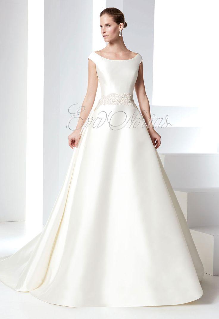 Vestido de novia Raimon Bundó 2016 Modelo Palacio en Eva Novias Madrid. #vestidosnovia #novias #modanupcial #weddingdress #bridalfashion