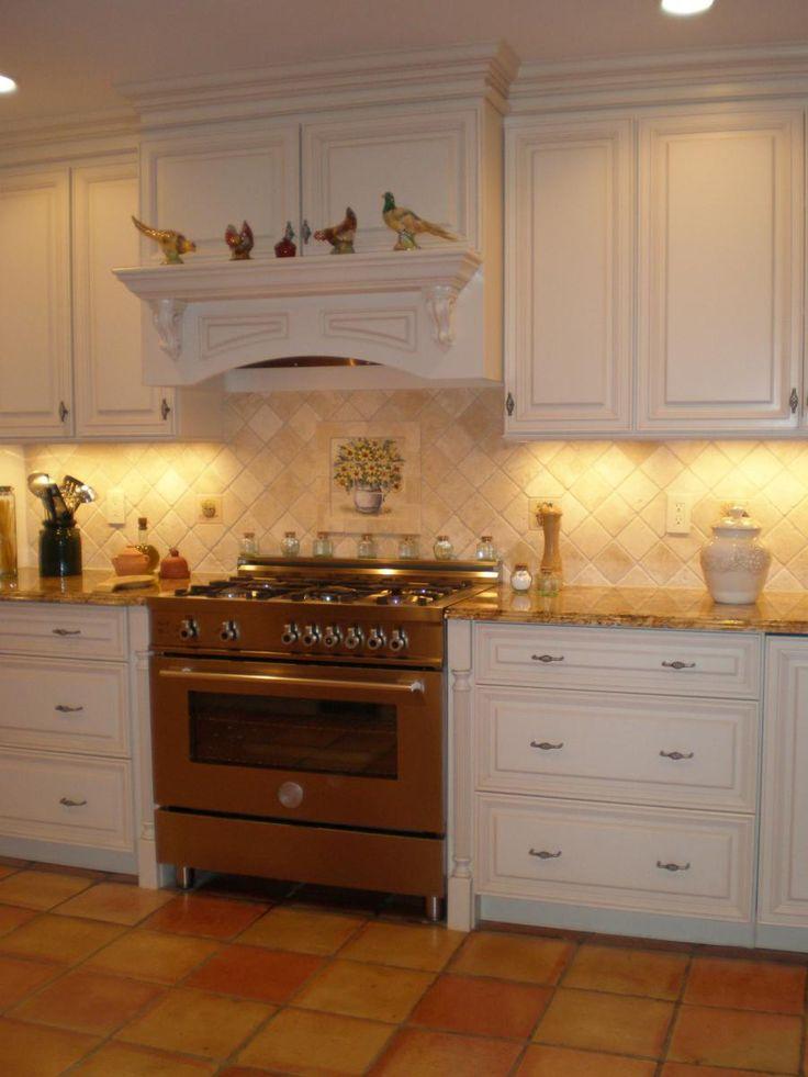 Enchanting Cottage Style Kitchen With Diamond Pattern Backsplash And White Kitchen  Cabinet. Part 57