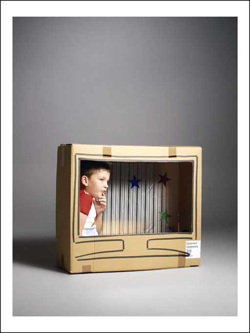 DIY cardboard box tv for kids (I kind of want to make a cardboard frame for our real tv...)