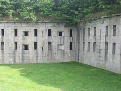 Fort Warren: New England's Most Historic Civil War Site. - some cool haunting stories...