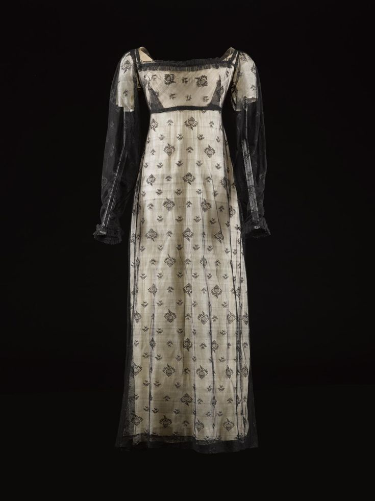 Fripperies and Fobs : Dress 1810-20 National Museum Scotland