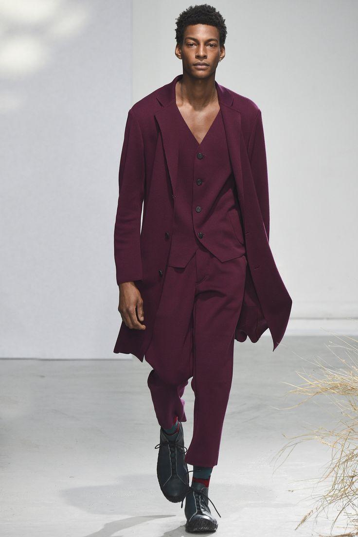 Issey Miyake Fall 2016 Menswear Collection Photos - Vogue