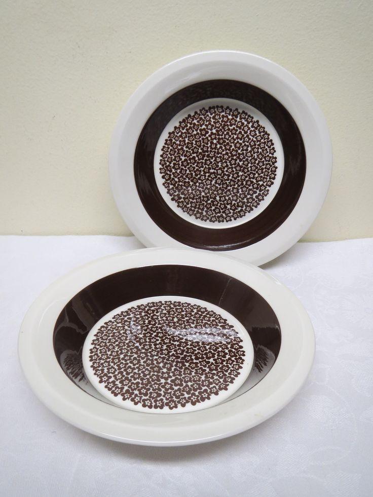 Arabian Faenza -lautaset, syvät lautaset, 2 kpl.  15 euroa/kpl.