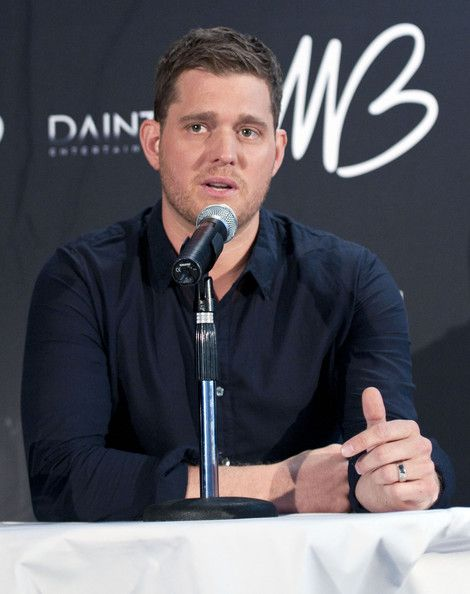 Michael Buble Photos - Michael Buble at his 'Crazy Love Tour' official press conference at the Quay Restaurant in Sydney, Australia. - Michael Buble 'Crazy Love Tour' Sydney Press Conference