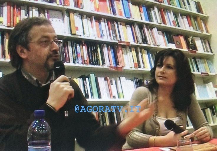 """""""SONO CONTRARIO ALLE EMOZIONI"""" DI DIEGO DE SILVA. PRESENTAZIONE A CURA DI MORENA IZZO http://www.agoratv.it/?p=5582"""