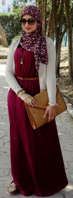 Love the dress, cardigan and accessories. Adaptable for modest-but-not-hijabis, also :)