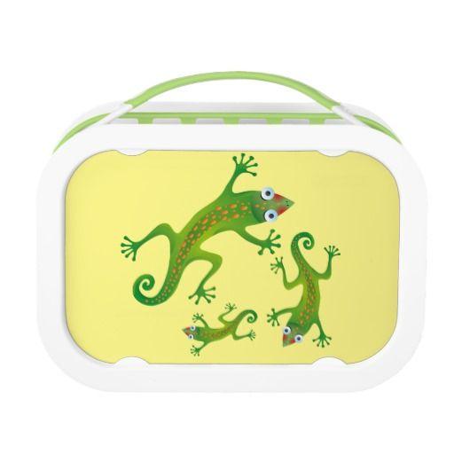 Lindo lagarto verde, lizard. Producto disponible en tienda Zazzle. Product available in Zazzle store. Regalos, Gifts. Link to product: http://www.zazzle.com/lindo_lagarto_verde_lizard_lunch_box-256364246379014758?CMPN=shareicon&lang=en&social=true&rf=238167879144476949 #lonchera #LunchBox #lagarto #lizard