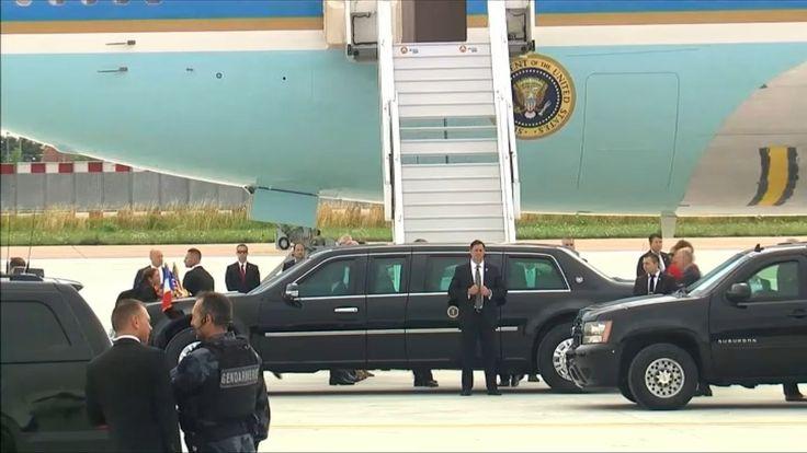 Le président américain est arrivé ce jeudi matin, à l'aéroport d'Orly, sous haute surveillance. Pour assurer sa sécurité, un cortège de plus d'une vingtaine de voitures l'escorte notamment dans tous ses déplacements, et sa limousine blindée a été acheminée de Washington. Le couple présidentiel bénéficie par ailleurs d'une double protection: celle des services français et américains, qui travaillent main dans la main. Entre aujourd'hui et demain, près de 11.000 policiers et gendarmes français…