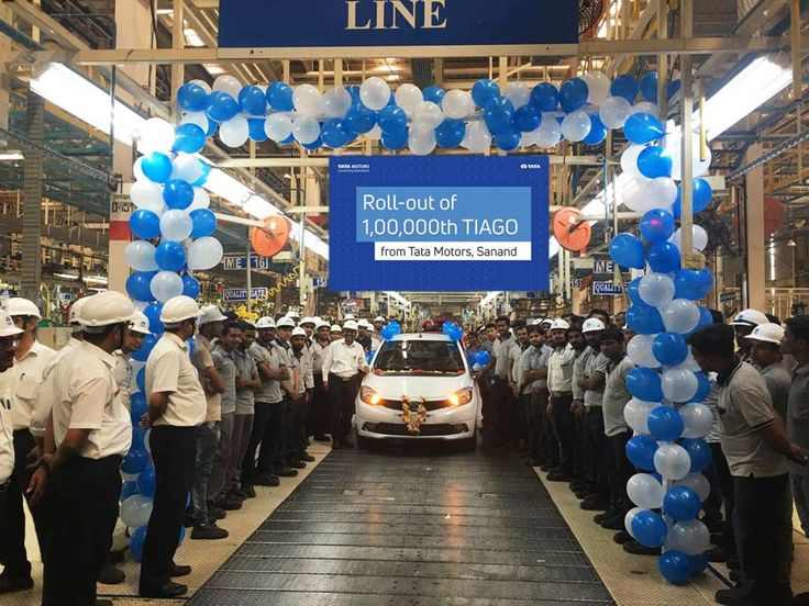 Tata Motors, one of the largest passenger vehicle manufacturers in India is celebrating the rollout of the 1,00,000th Tata Tiago from its plant in Sanand.