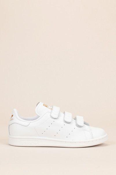 Sneakers blanches scratch Stan Smith Adidas Originals sur MonShowroom.com