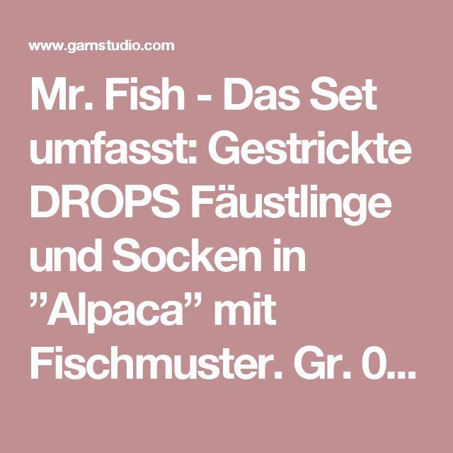 """Mr. Fish - Das Set umfasst: Gestrickte DROPS Fäustlinge und Socken in """"Alpaca"""" mit Fischmuster. Gr. 0 Monate - 14 Jahre. - Free pattern by DROPS Design"""