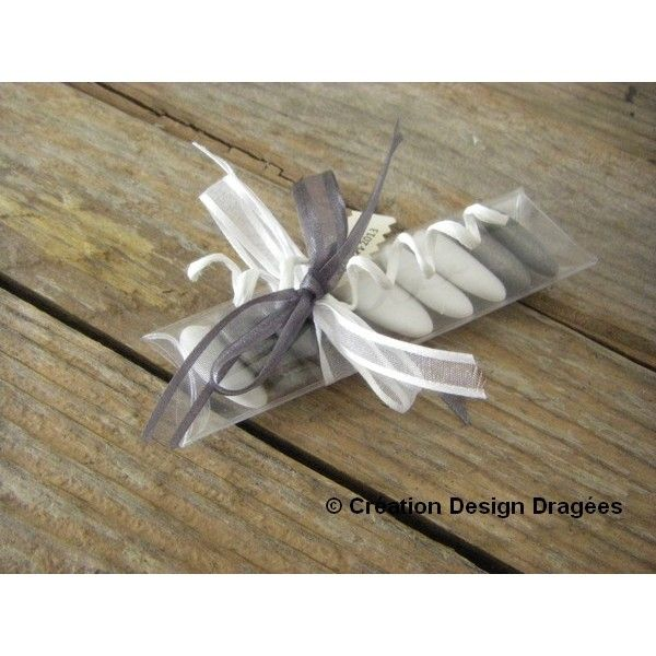 Résultats Google Recherche d'images correspondant à http://www.designdragees.fr/366-926-thickbox/dragees-mariage-gris-et-blanc.jpg