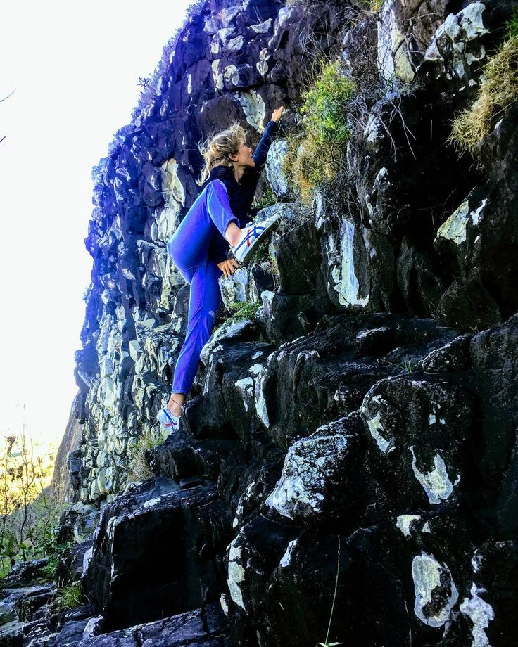 """Alt route to Mt Coolum.  One of the books I highly recommend is 'The Road Less Traveled' by Scott Peck. """"Once we truly know that life is difficult — once we truly understand and accept it — then life is no longer difficult. Because once it is accepted, the fact that life is difficult no longer matters."""" #sydneystrengthconditioning"""