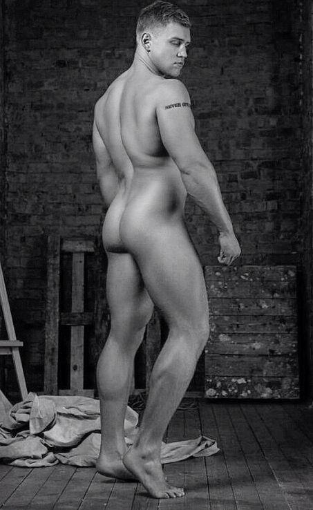 hot naude standing pose