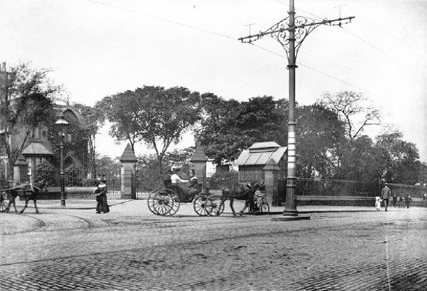 Mansfield Road and Forest Road crossing, with the entrance to Rock Cemetery, Nottingham, 1901.