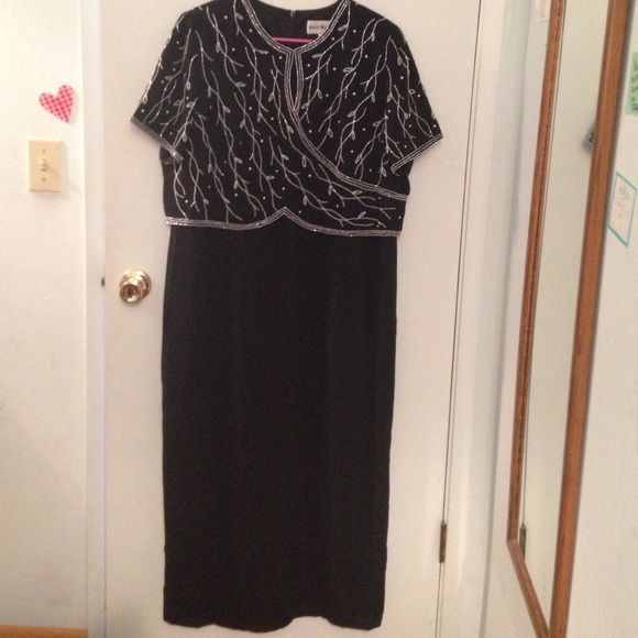 Vintage Karen Miller Dress Karen Miller dress, black with white beading, short sleeves, keyhole opening in the front, zips in the back, has small shoulder pads. Great condition, size 20. No trades. Make offers! Karen Miller Dresses