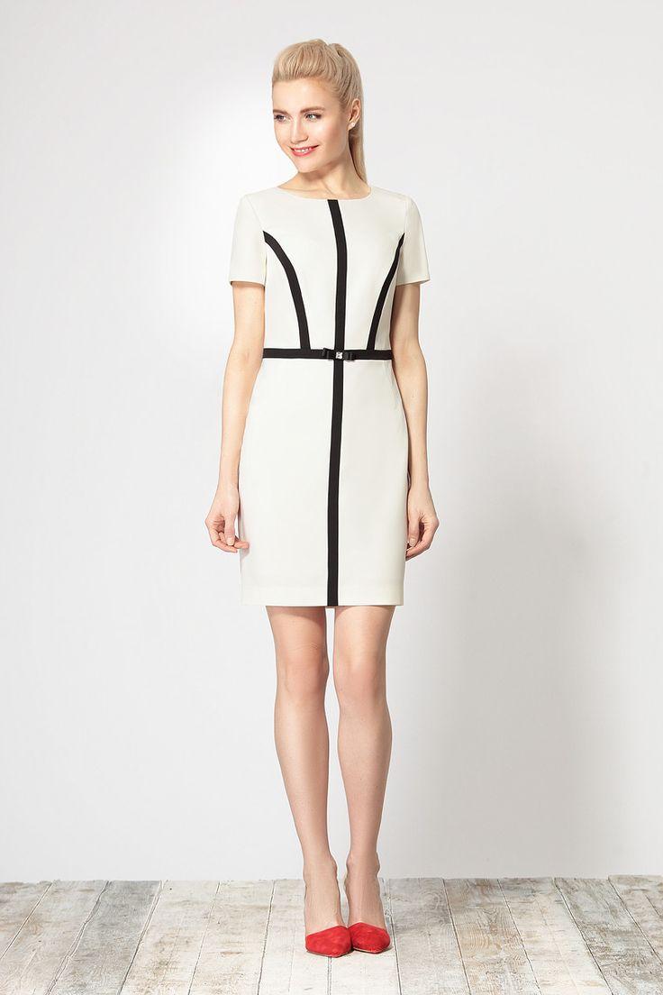Стильное платье на подкладке, выполненное из высококачественной  ткани от Devita.