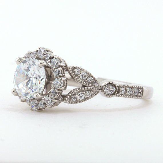 Helzberg Vintage Heart On The Side Wedding Ring