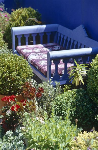 Moroccan Blue Bench ... gorgeous !!!