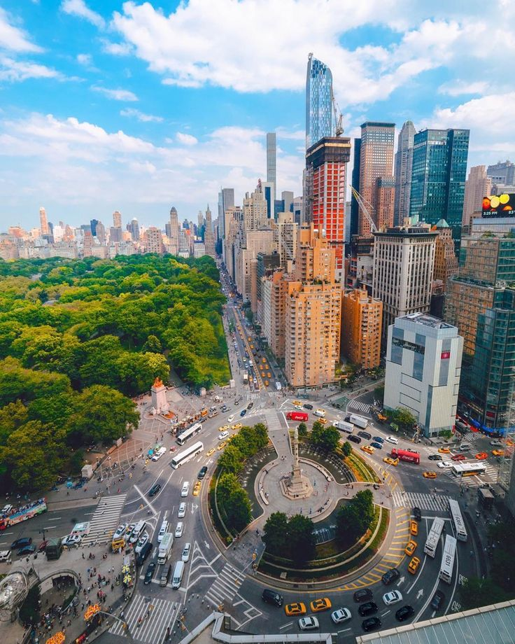 Columbus Circle Manhattan NYC by @opoline | newyork newyorkcity newyorkcityfeelings nyc brooklyn queens the bronx staten island manhattan