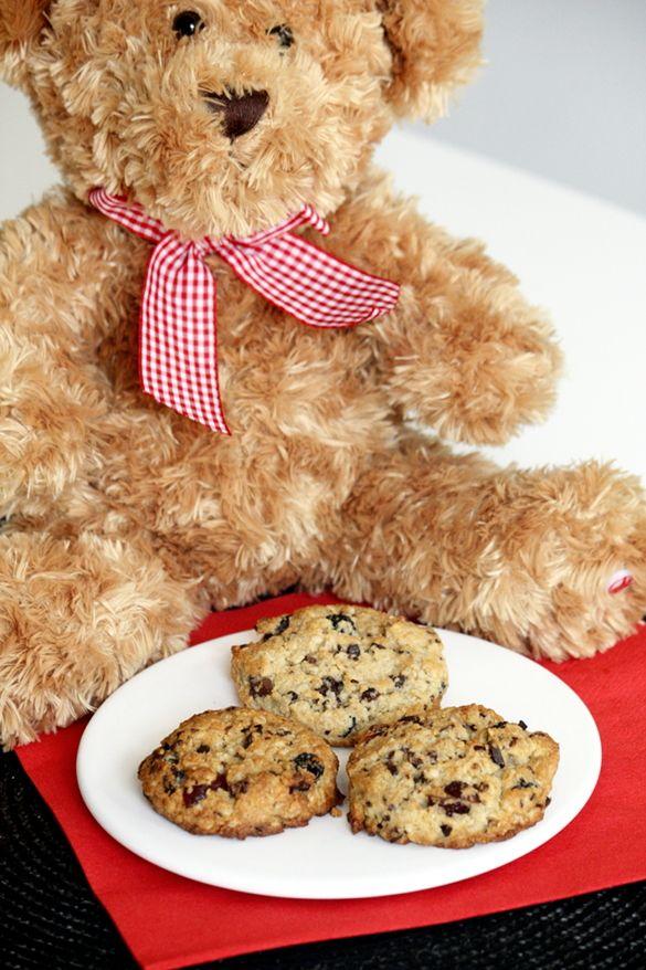 Berry & chocolate chunk cookies