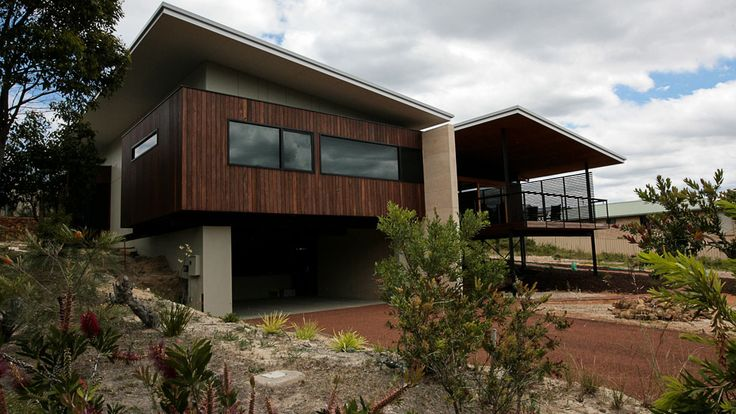 Country Style Holiday Home, Spotted Gum Cladding, Jarrah decking, stainless steel balustrading, timber patio ceiling, architecture
