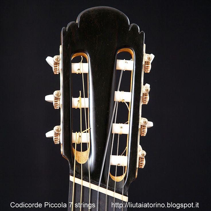 Guitarras custom construídas por Rodolfo Cucculelli, Luthier: Codicorde Piccola® 7 cordas, comprimento de cordas...