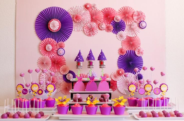 Dessert table at Rapunzel Tangled Party