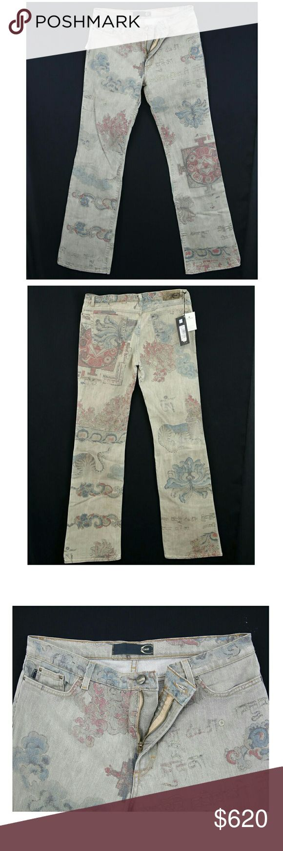 """Woman's Just Cavalli print Jean's-Size 30/35 NEW Woman's Designer Just Cavalli Jean's-Size 30 - $620 Retail  NWT  Made in Italy. In Stock by Friday!   Tag Size 34 Please view measurements  Measures: Waist 30"""", Length 43"""", Inseam 35"""", Rise 9"""" Material: 97% Cotton, 3% Fibre   Retail $620.00  Condition: New with Tags Just Cavalli Jeans Boot Cut"""