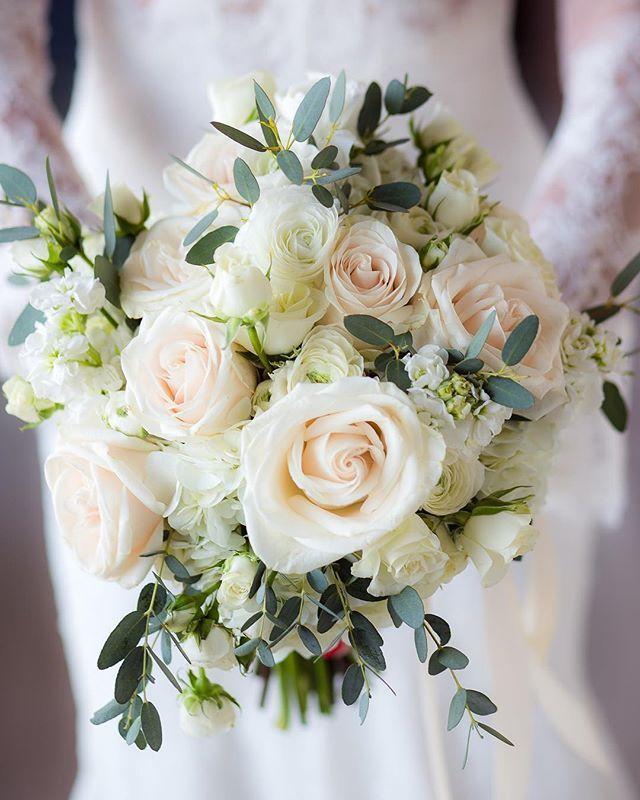 Букеты невесты под платье айвори, букет белгород-днестровский цветы