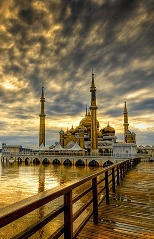 Crystal Mosque (Masjid Kristal) : Kuala Terengganu, Terengganu, Malaysia