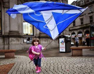ぱくにゅー: 【沖縄】琉球独立運動家たちがスコットランドに到着 「スコットランドには独立する権利がある。沖縄も同じ...