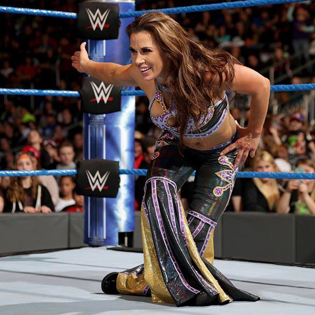 wwe @themickiejames has momentum on her side after defeating the #SDLive #WomensChampion @alexa_bliss_wwe_!  2017/03/19 00:30:37