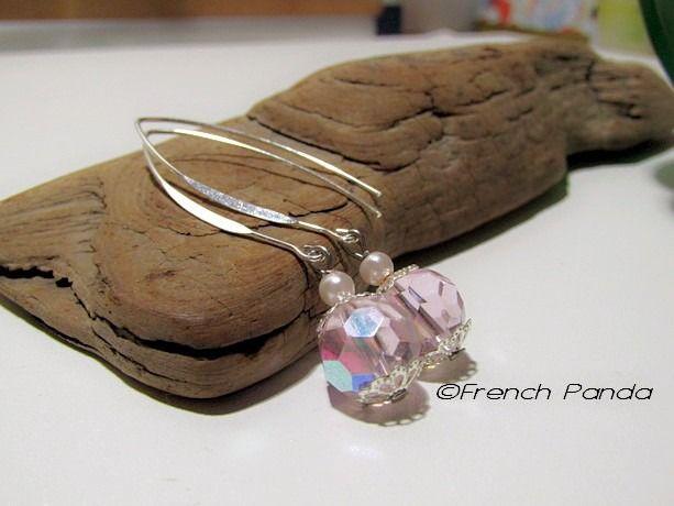 Boucles d'oreilles chic argentées et perles en cristal rose AB : Boucles d'oreille par french-panda