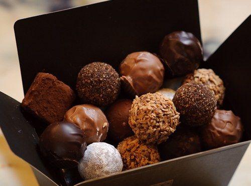 belgium choclate Belgium chocolates, birthday gifts, cakes, gift hampers, anniversary, wedding gifts, love gifts.
