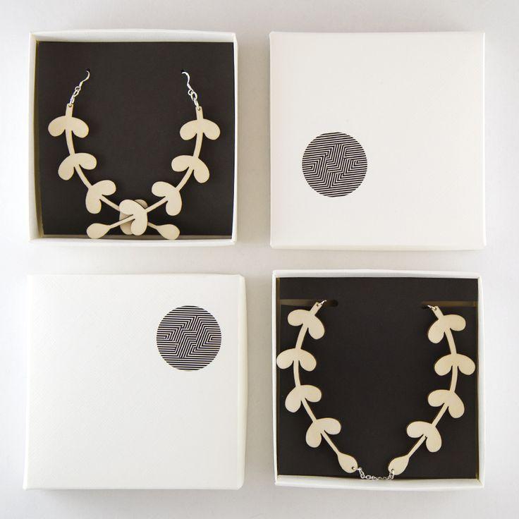 Organic shape wooden jewellery www.kikerigu.fi