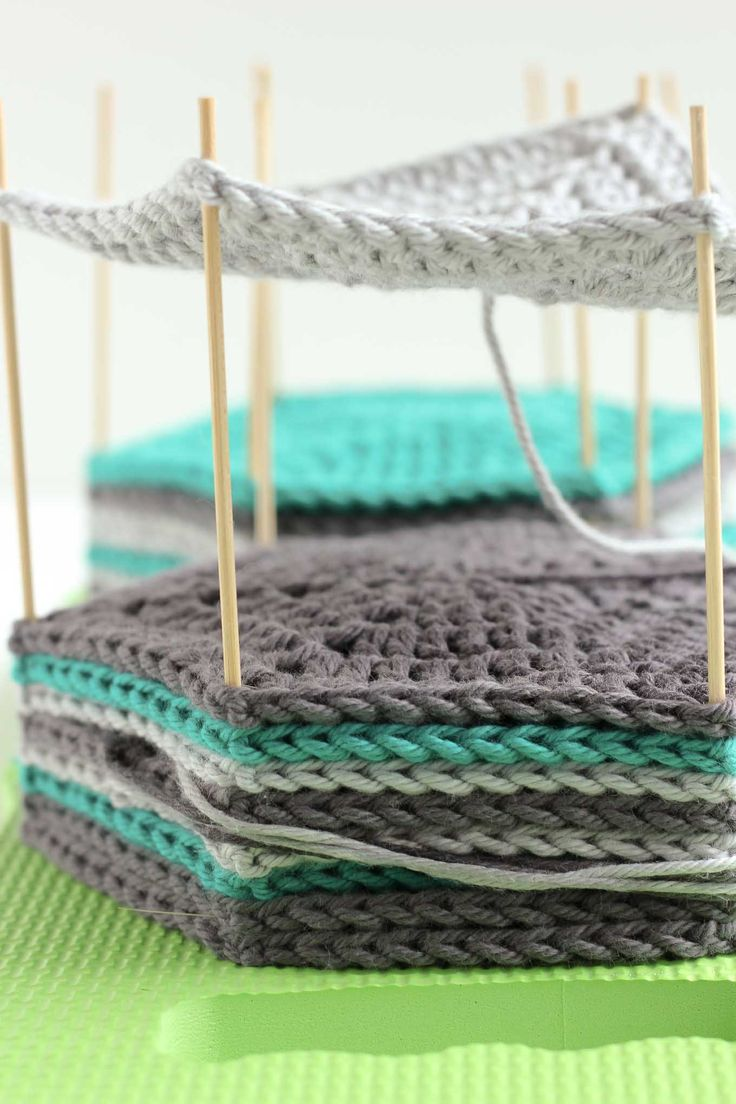 how to join knitted granny squares together