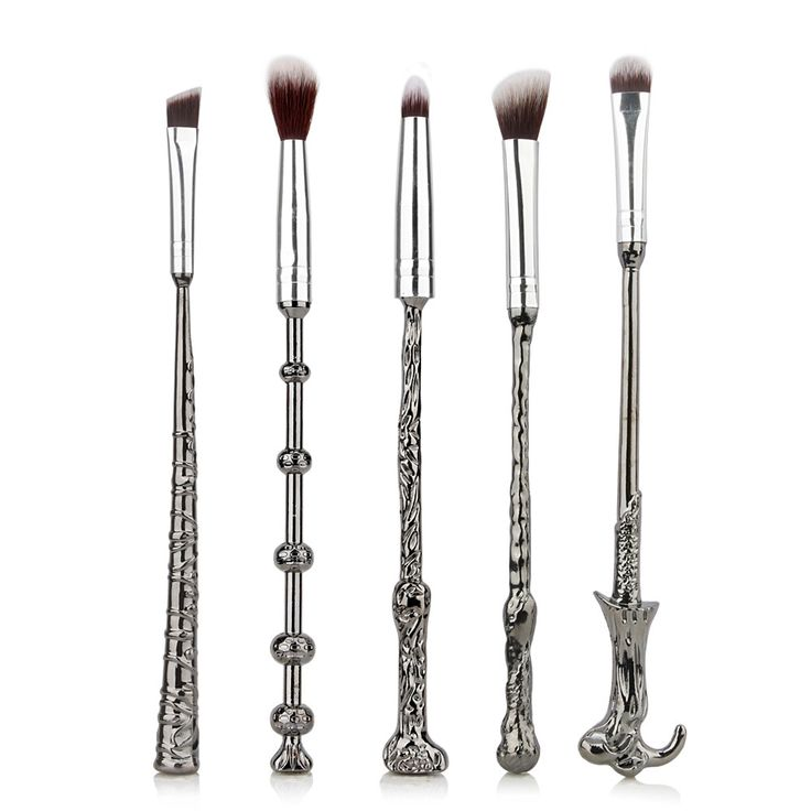 We've got good news, and some bad news. The bad news is that we couldn't find your long lost Hogwarts admittance letter. But the good news is that these totally amazing Harry Potter Wand Makeup Brushe