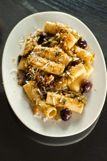 Appunti di cucina di Rimmel: Candele spezzate con scarole stufate e colatura di alici