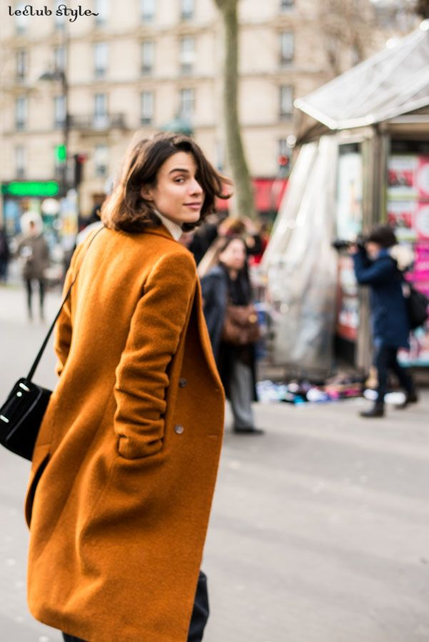 Street Style portraits by Ángel Robles. Fashion Photography from Paris Fashion Week. Woman, portrait on the street, Paris.
