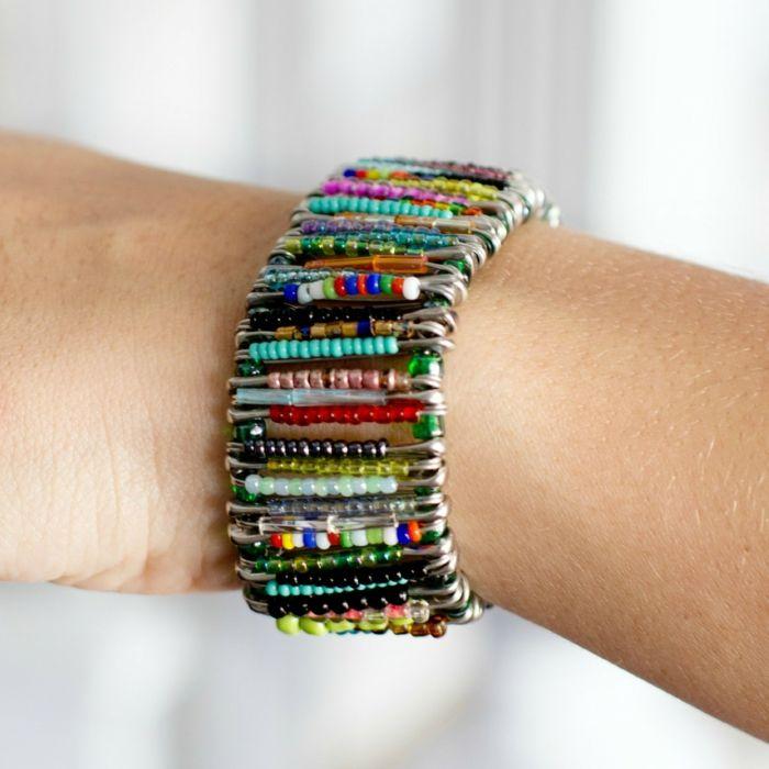 kleine geschenke selber machen farbiges armband diy do. Black Bedroom Furniture Sets. Home Design Ideas