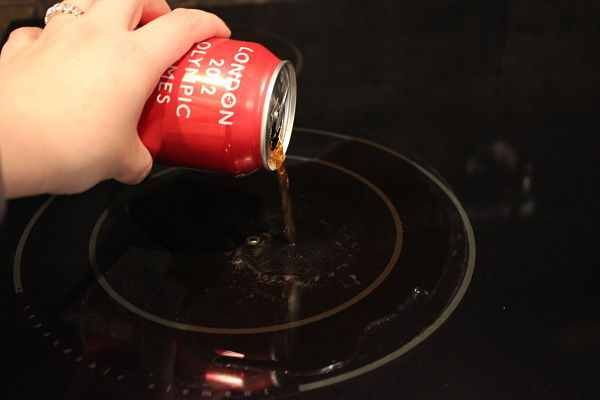 Do It Yourself Glass Stove Top Cleaner! Only THREE Ingredients! Ok. Here's what you're going to need:  Potato Slice  Vinegar  Coca-Cola  Paper Towels