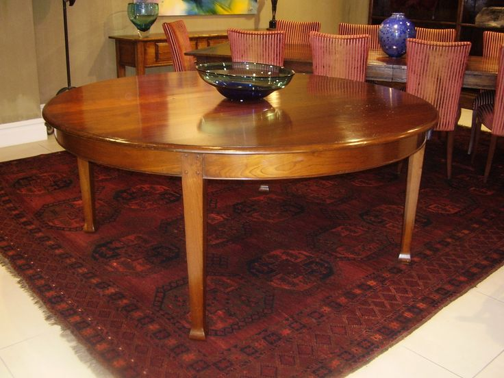 Circular Dining Table - Cherry Wood