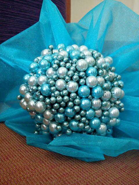 Nursaila Norman: Pearl Handbouquet : Bride 2 Be Raub