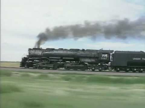 UP Challenger #3985 hauling Freight (1991)