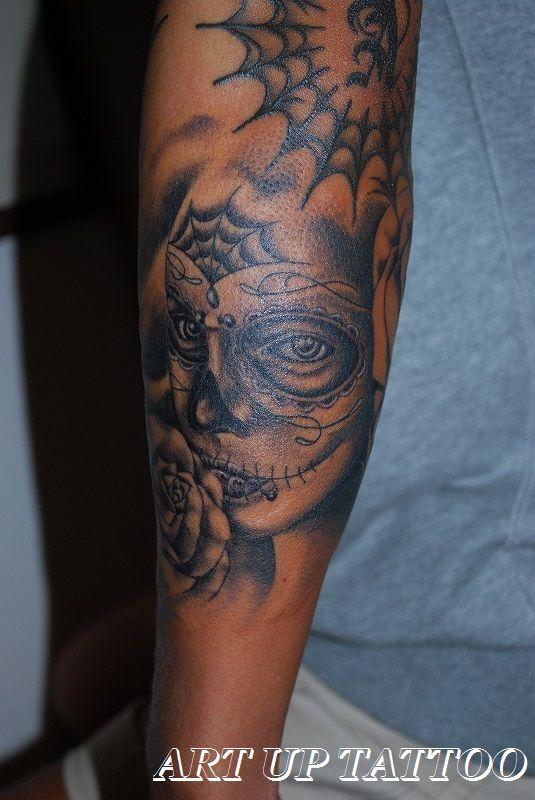 キャンディスカルメイクガールを彫りました  でも完成まではいかなかった(>_<) なので今日はここまで!  次回は右側にチラッと見える薔薇を完成させます   #tattoo #tattoos #tattooart #tattooist #tattooshop #art #bodyart #ink #blackandwhite #CandyScullMakeGirl #Rose #girl #タトゥー #タトゥースタジオ #インク #アート #ボディアート #アートアップタトゥー #ブラックアンドグレイ #キャンディスカルメイクガール #ガール #東京タトゥー #日野タトゥー #祐 #女性 #女性彫師