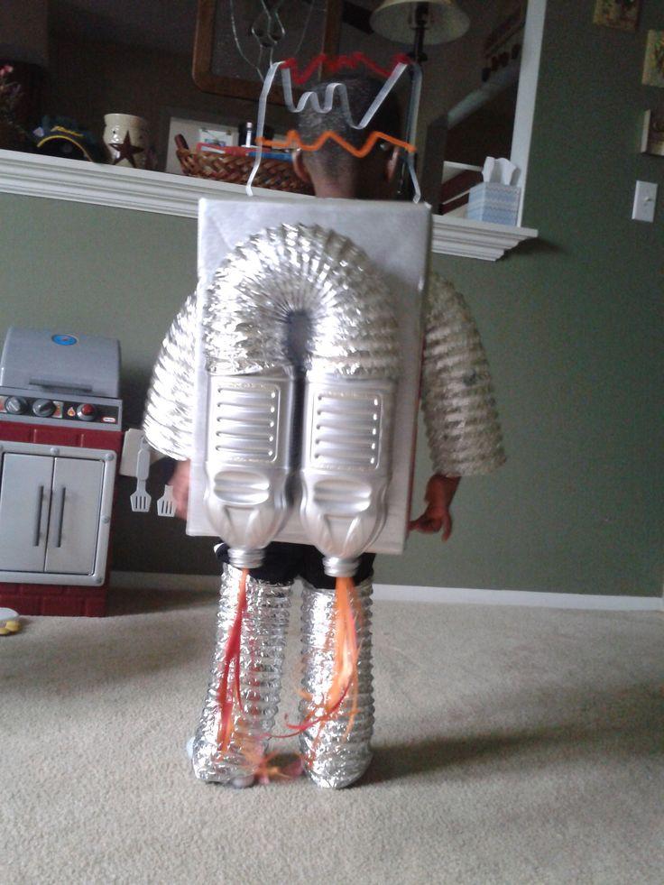 Robot Costume. Homemade halloween costumes.  buildingwithlincolnlogs.blogspot.com