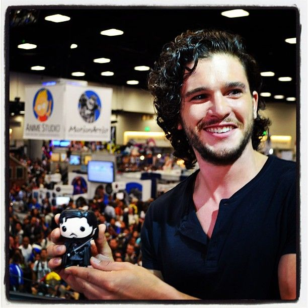 Kit Harrington at SD comic con. Officially jealous I couldn't have been there.